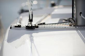 Бегунок стаксель-шкота парусной яхты Хантер-323
