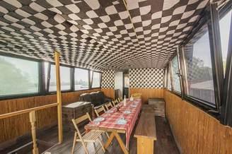 Салон первой палубы теплохода