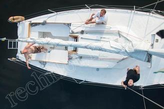 Гости на борту парусной яхты Алина