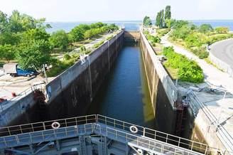Шлюз на Киевское водохранилище