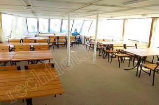 Носовой салон первой палубы теплохода Радионов