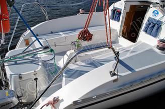 Вход в кают-компанию яхты JANMOR