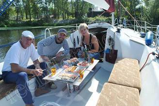 Фуршет на борту яхты Богема