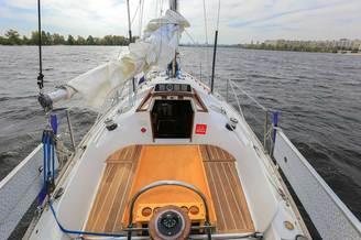 Кокпит парусной яхты Благодать