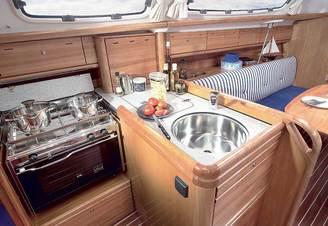 Камбуз парусной яхты Бавария-33 Александер