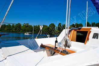 Бегунок гика-шкота на парусной яхте Лана