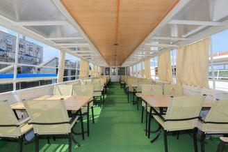 Летний салон на 80 фуршетных мест на второй палубе теплохода Яков Задорожный